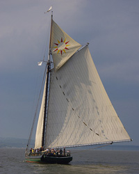 Sloop-Clearwater